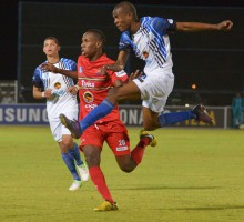 20130902 soccer NWU plays Tuks on their homeground in Mafekeng juinior Leeuw shoots for goall.photo MARIO VAN DE WALL