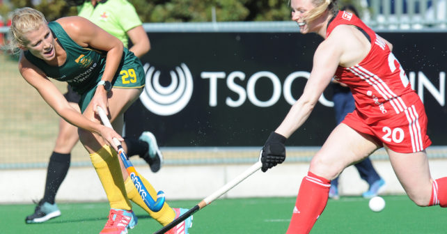 CAPE TOWN, SOUTH AFRICA - FEBRUARY 26: Tarryn Glasby of South Africa and Hollie Webb of England during the Cape Town Summer Series 2 Womens match between South Africa and England at Hartleyvale Hockey Stadium on February 26, 2017 in Cape Town, South Africa. (Photo by Peter Heeger/Gallo Images)