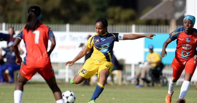 2016 Varsity Football. LADIES FINAL. Thursday 22 September 2016. TUT Ladies vs UWC Ladies, at TUT Sports Ground, Pretoria, Gauteng. TUT vs UWC AMOGELANG MOTAU of UWC with a shot at goal Photo by: SASPA