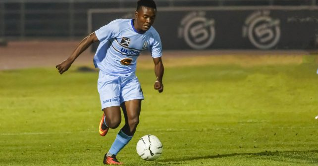 Ngoanamello Rammala of UL on a run with Keitumetse Mabathoana of UJ in pursuit during the FNB Varsity Cup Soccer match between UJ and UL ( Limpopo ) at UJ Soweto Campus in Johannesburg on the 26th July 2018. Photo by Dominic Barnardt / VarsitySports