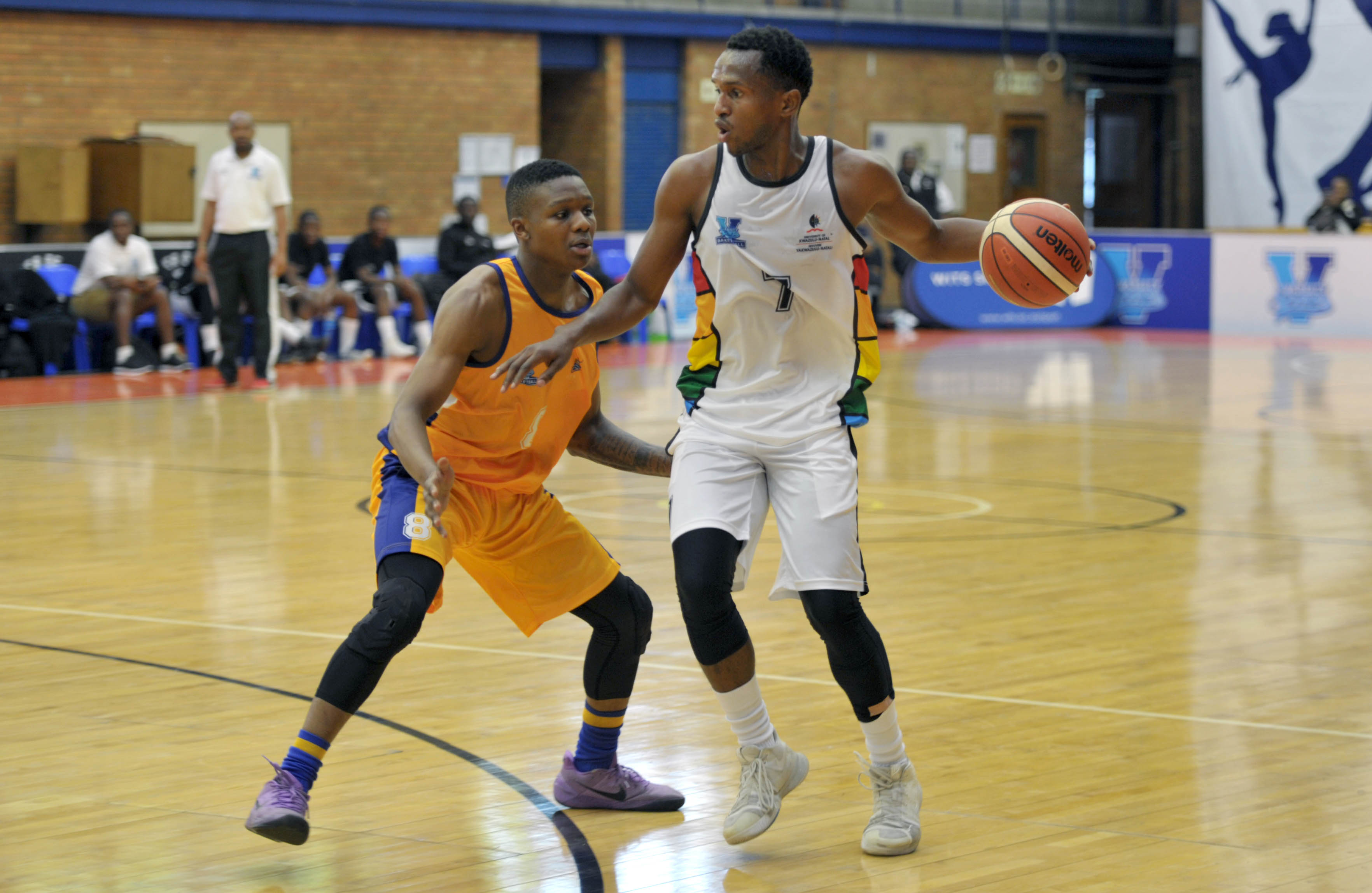 Habo Sithole (7) from University of KZN is defended by Briarley Klassen (7) from University of Witwatersrandduring the Varsity Sports Basketball match 07 between UKZN vs WITS on October 06, 2018 at Wits Multi-Purpose Hall in Johannesburg, South Africa. #Varsitybasketball (Photo by Craig Nieuwenhuizen/SASPA)